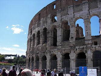 Colosseum (Rome) 5.jpg