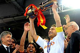 Captain (association football) - Francesco Totti, Roma captain, lifting the 2007–08 Coppa Italia