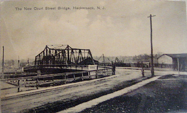 File:Court Street Bridge (Hackensack River) open 1908.tiff