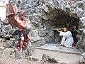 Crupet grotte Saint Antoine detail sculpture 11.JPG