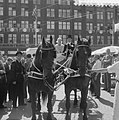 Dam tot Dam race , eerste dag, de heer A.F. Jansma uit Deinum met koets en paard, Bestanddeelnr 910-6158.jpg