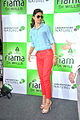 Deepika promotes 'Cocktail' at Reliance store 07.jpg