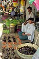 Devaraja Market vendors (4772438949).jpg