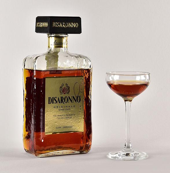 File:Disaronno bottle and glass.jpg
