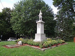 Poughkeepsie, New York - Statue of Thomas Dongan (the 2nd Earl of Limerick from 1698) in Dongan Park in Poughkeepsie, unveiled in June 1930