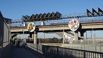 Douglas station (Los Angeles Metro) - Image: Douglas Metro Green Line Station 10