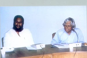 Alex Mathew - Dr. Alex with Dr. A P J Abdul Kalam at a conference, IIT Madras.