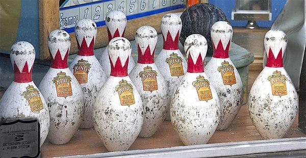 Robert Putnam Bowling Alone