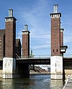 Duisburg - Schwanentorbrücke 2.jpg