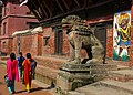 Durbar Square Patan, Nepal (3920816038).jpg