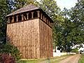 Dzwonnica przy kościele w Karczmiskach.jpg
