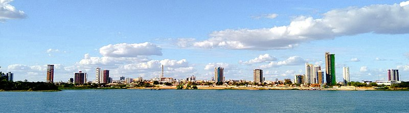 File:Edifícios na Orla I de Petrolina - Pernambuco (recorte edit).jpg