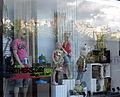 Edinburgh fashion -2 (3639605430).jpg