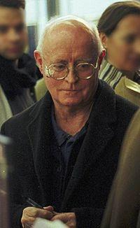 Edward Bond at the Théâtre National de la Colline, Paris, January 2001.jpg