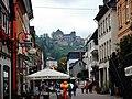 Eiscafe Rocco mit Blick auf das Romantik Hotel Schloss Rheinfels - panoramio.jpg