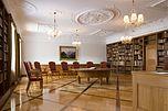 Eisenbibliothek im Klostergut Paradies. Die Bibliothek wurde 1952 eröffnet.