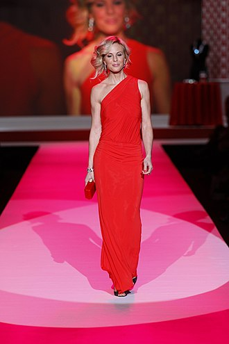 Elisabeth Hasselbeck - Hasselbeck at The Heart Truth's Red Dress Collection Fashion Show, 2010