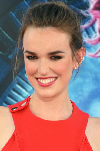 Elizabeth Henstridge - Henstridge at the premiere of Guardians of the Galaxy in July 2014.