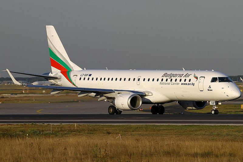 File:Embraer ERJ-190-100IGW 190AR, Bulgaria Air AN2171301.jpg