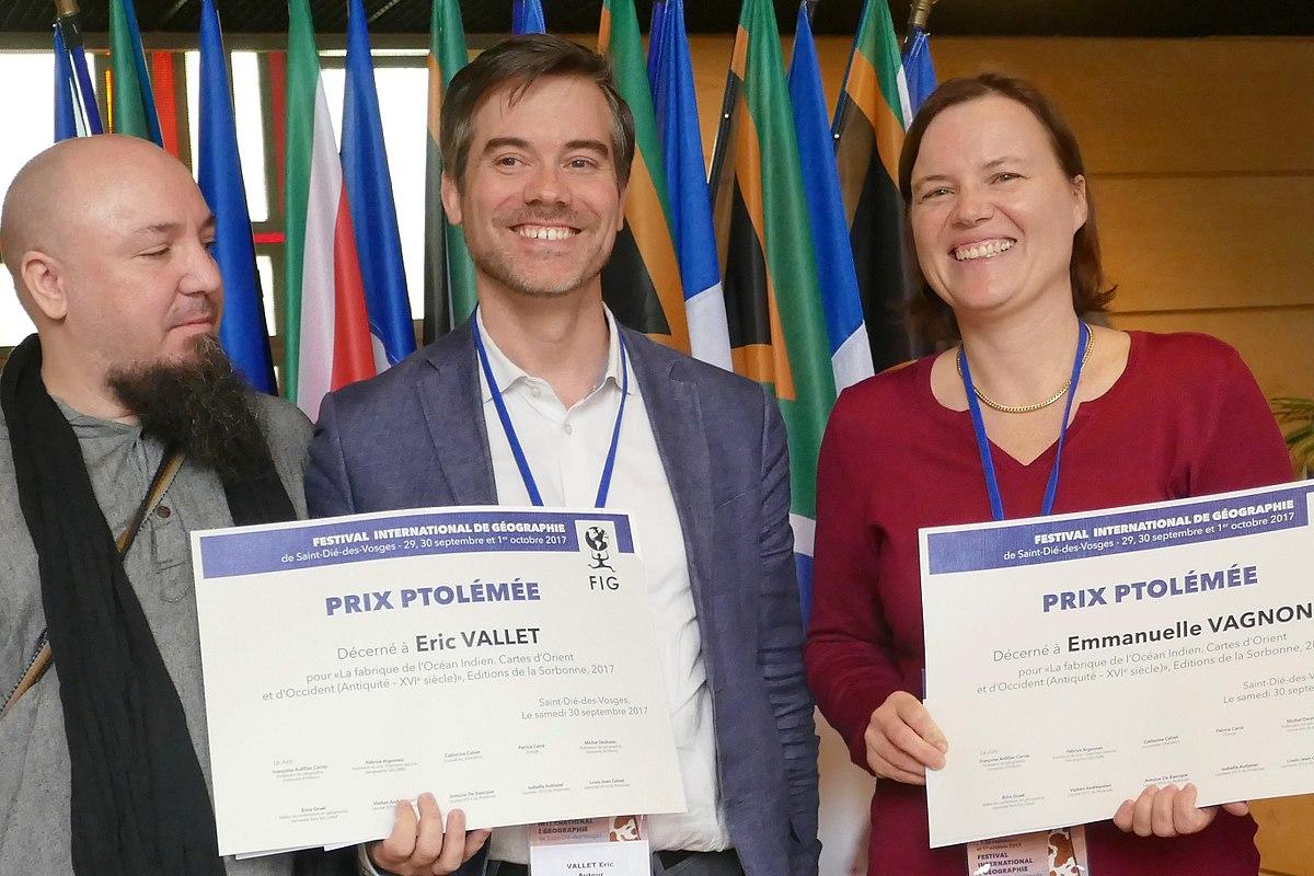 File Eric Vallet Et Emmanuelle Vagnon Fig 2017 Jpg Wikimedia Commons