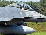 F-16AM (15226940725).jpg