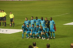 Deco - Deco taking part in a team photo before a match in 2007.