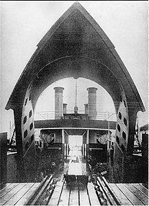FS Friedrich Franz IV 1903 Beladung.jpg