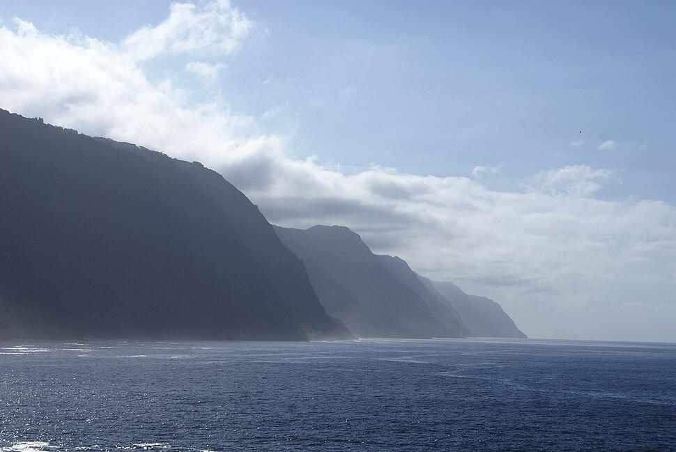 Fajã do Ouvidor, a grandiosidade das falésias, Norte Grande, Velas, ilha de São Jorge