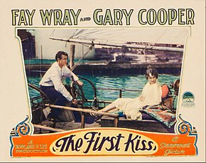 Description de l'image First Kiss lobby card.jpg.