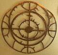 Frammento di astrolabio di manifattura ignota, sec. XIII-XIV ca. 02.JPG