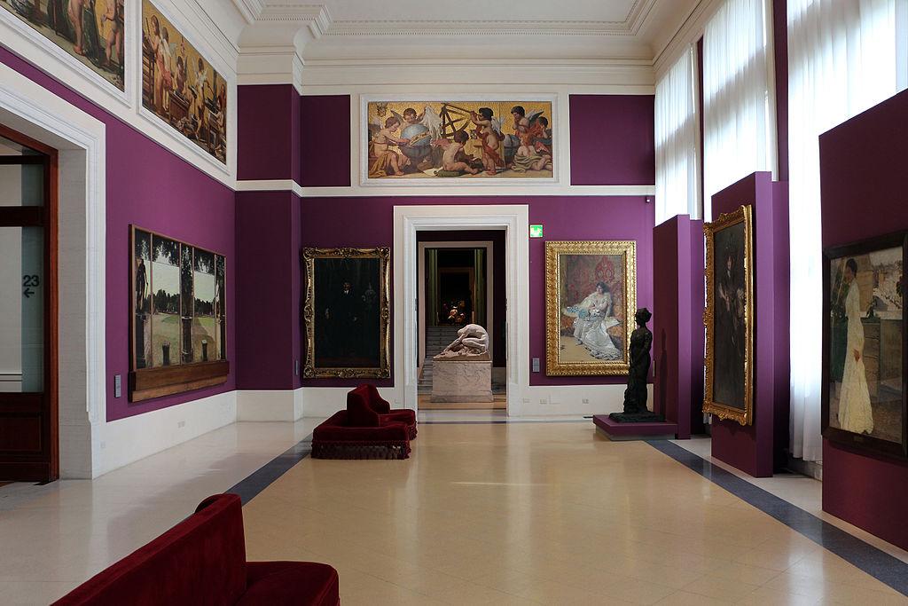 A intérieur du musée d'art moderne de Rome (ou GNAM) - Photo de Sailko