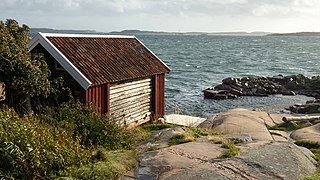 Gamlestan fishing hut and harbor at Vikarvet Museum 7.jpg