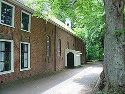 Garnizoenskerk met pastorie Oudeschaans.jpg