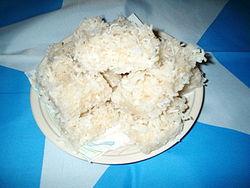 Kookosleivokset kuuluu paaston jälkeiseen Id-juhlaan (taustana Somalian sinivalkolippu).