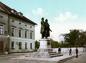 Goethe–Schiller Monument - Image: Goethe Schiller Weimar 1900