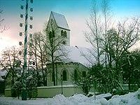 Graefelfing Alte Stephanuskirche Chor Maibaum.jpg