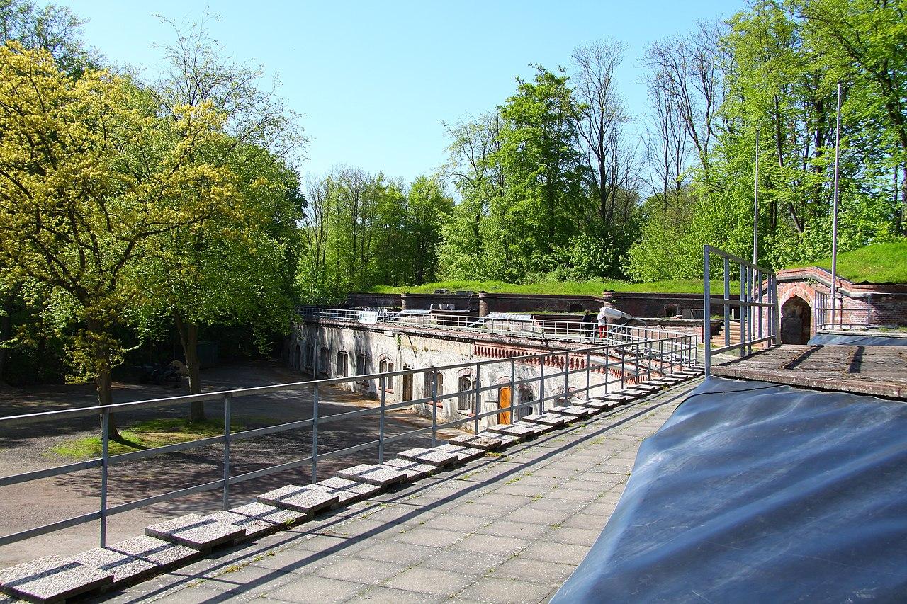 1280px-Grauerort_roof.jpg