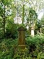 Gravestone of Thomas Skinner etcher (6).JPG