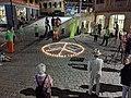 Greenpeace-Aktion gegen Atomwaffen auf dem Marktplatz in Tübingen.jpg