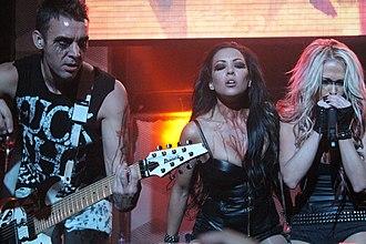 Butcher Babies - Butcher Babies live at the Hell & Heaven Metal Fest 2013