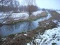 Hévízi-csatorna kanyarulata a 75-ös út alatt - panoramio.jpg