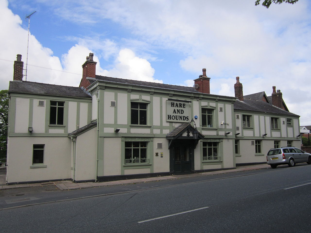 Hare And Hounds Werneth Low Dog Friendly