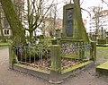 Heinrich Bernhard Röhrs Grab Gartenfriedhof.jpg