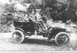 Truman Smith Baxter - His worship T.S. Baxter, Mayor of Vancouver and family in Stanley Park in 1908