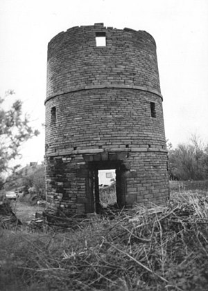 Upholland - Image: Holland Windmill, Upholland geograph.org.uk 1028637