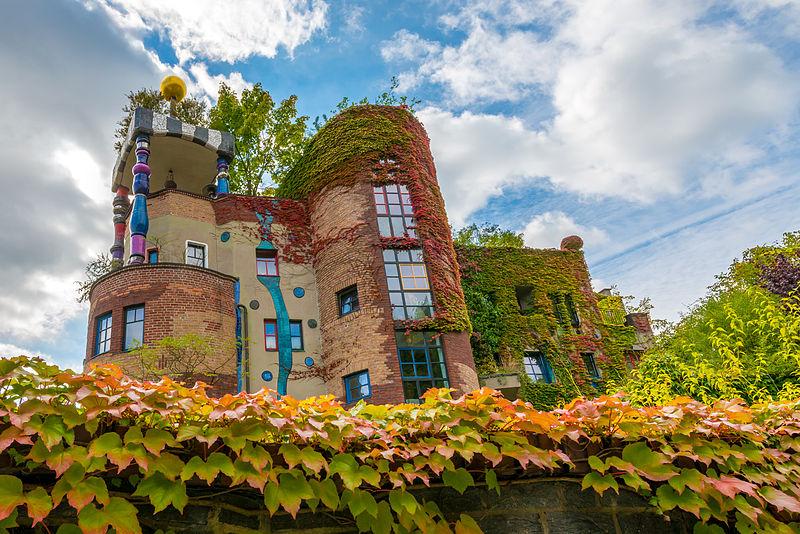 File:Hundertwasserhaus Bad Soden Autumn.jpg