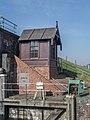 Hunsingosluis met sluismeestershuisje, Zoutkamp 1.jpg