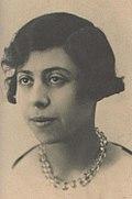 Irène Némirovsky vers 1917, à l'âge où elle commence à écrire.