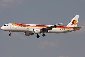 Iberia Airbus A321-211 EC-JMR.jpg