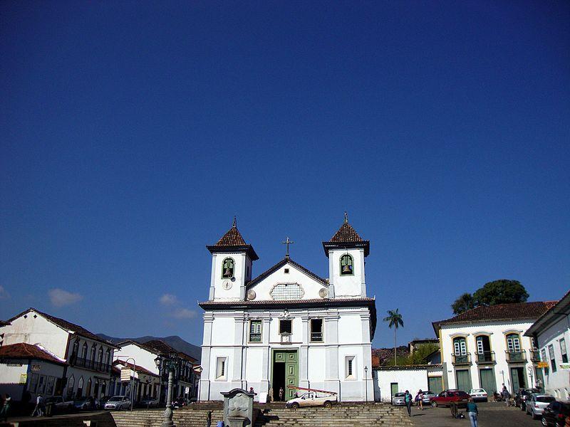 File:Igreja da Sé, em Mariana.jpg